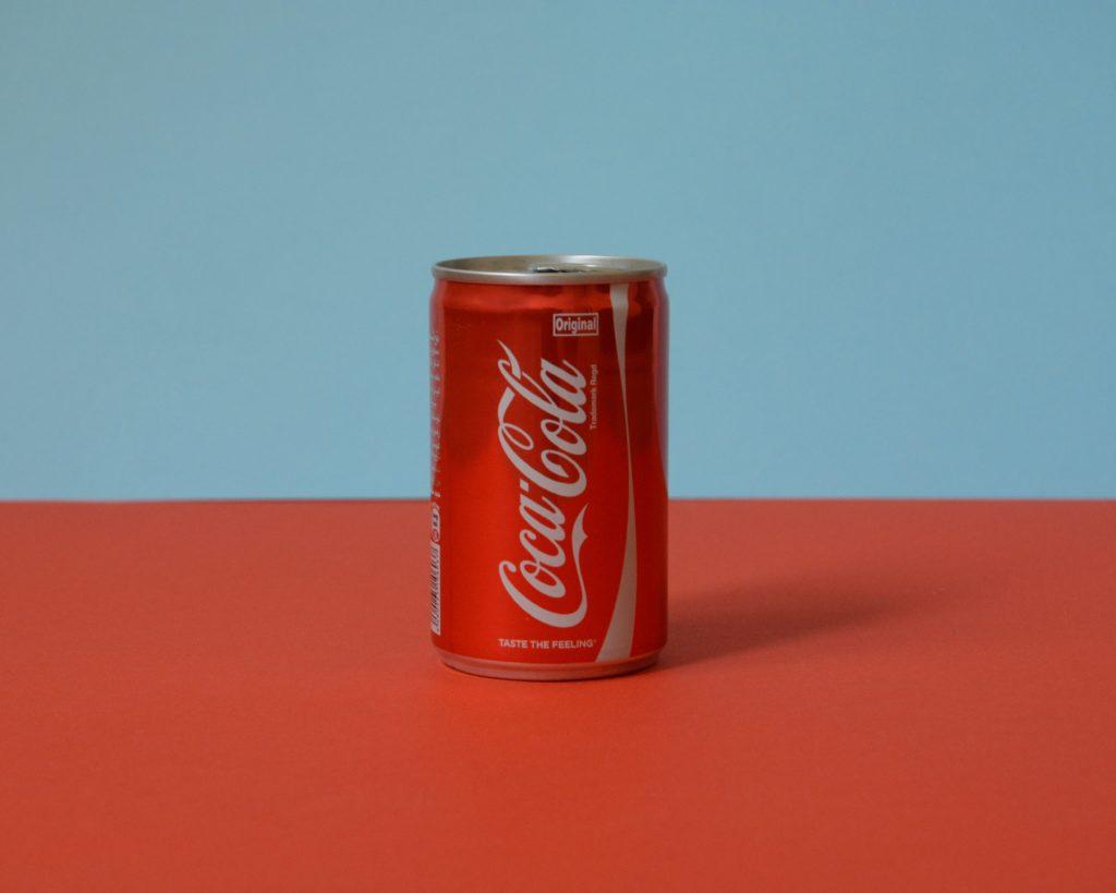 1缶のコーラ